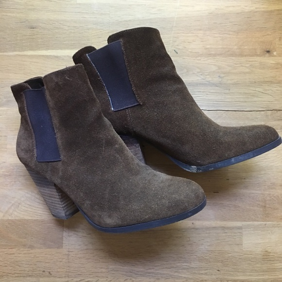Vince Camuto Shoes - Vince Camuto Suede Ankle Boots 6.5